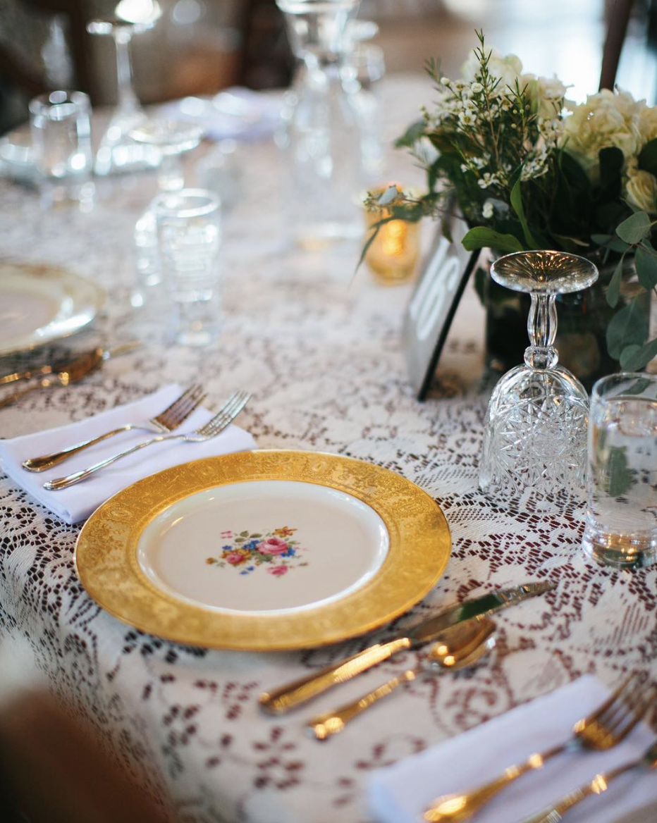 Set the Scene: 8 Pretty Place Settings | Oregon Bride
