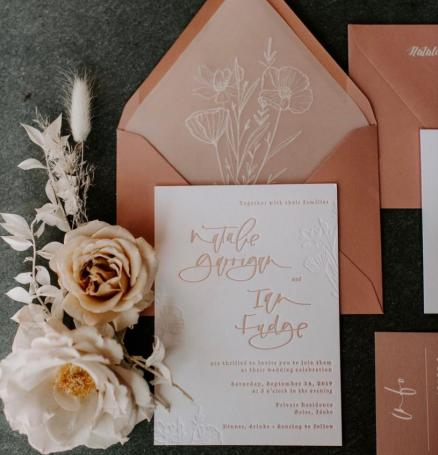 Photo by @peytonrbyford, Styling by @maeandco_creative, Rentals by @iraandlucy, Invitation Suite by @pinkbypeach, Florals by @goodseedfloral
