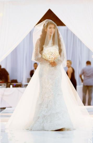 princess bride, megan markle wedding dress, princess wedding day looks, rosa clara wedding gown