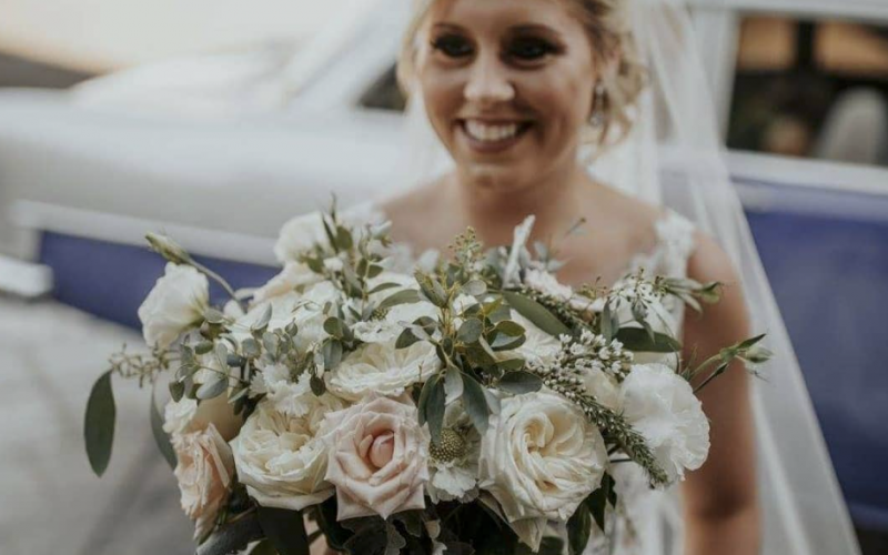 Flowers: Amanda Karam Florals, Photo: Dawn Photo
