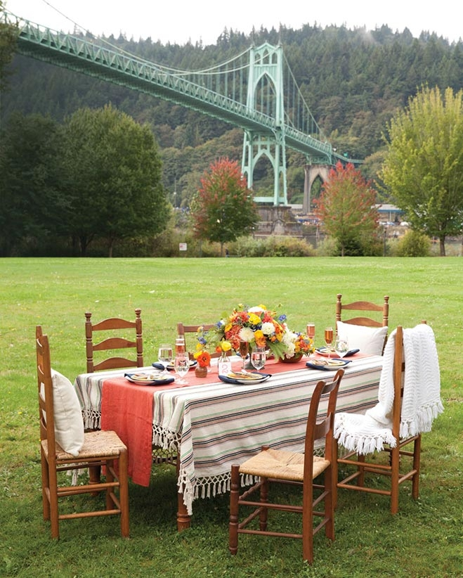Oregon The Picnic Table: How To Host An Elegant But